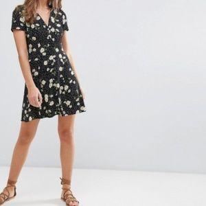 Black Floral Tea Dress Button Front 8 NWOT
